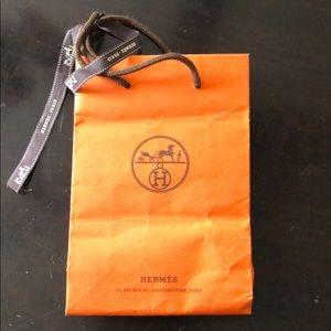 Hermès paper bag small
